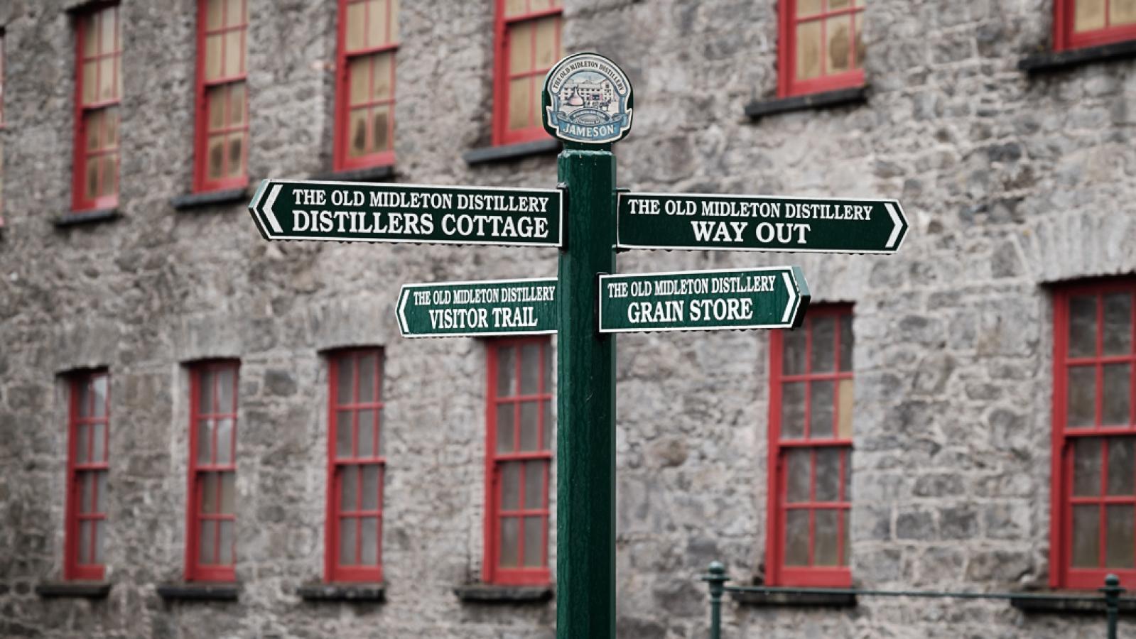 Irish Whiskey Tasting & Dinner - Im Irish Fiddler Pub