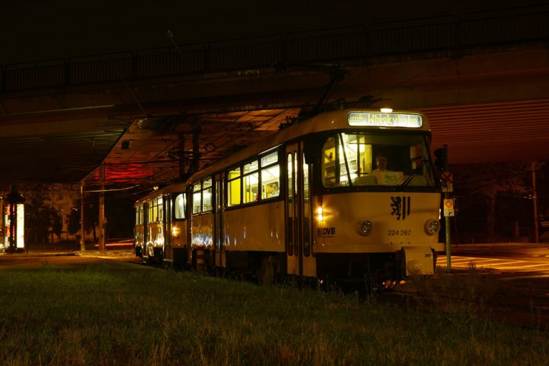 Mit der Whiskybahn durch Dresden - `Der Osten brennt!`